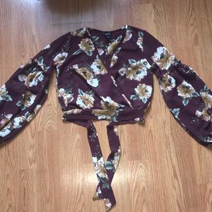 NWOT Rue 21 floral low cut wrap/tie top